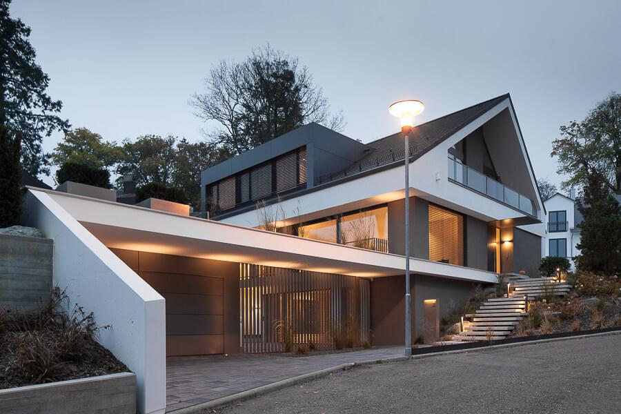 Berühmt Puristisches Einfamilienhaus mit Satteldach UM27